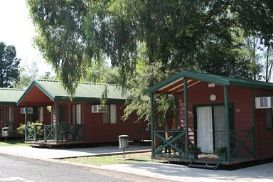 Fossickers Rest Tourist Park Cabins